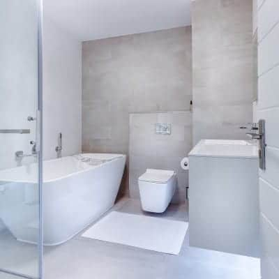 The Best and Worst Bathroom Remodel Ideas for a Dated Bath