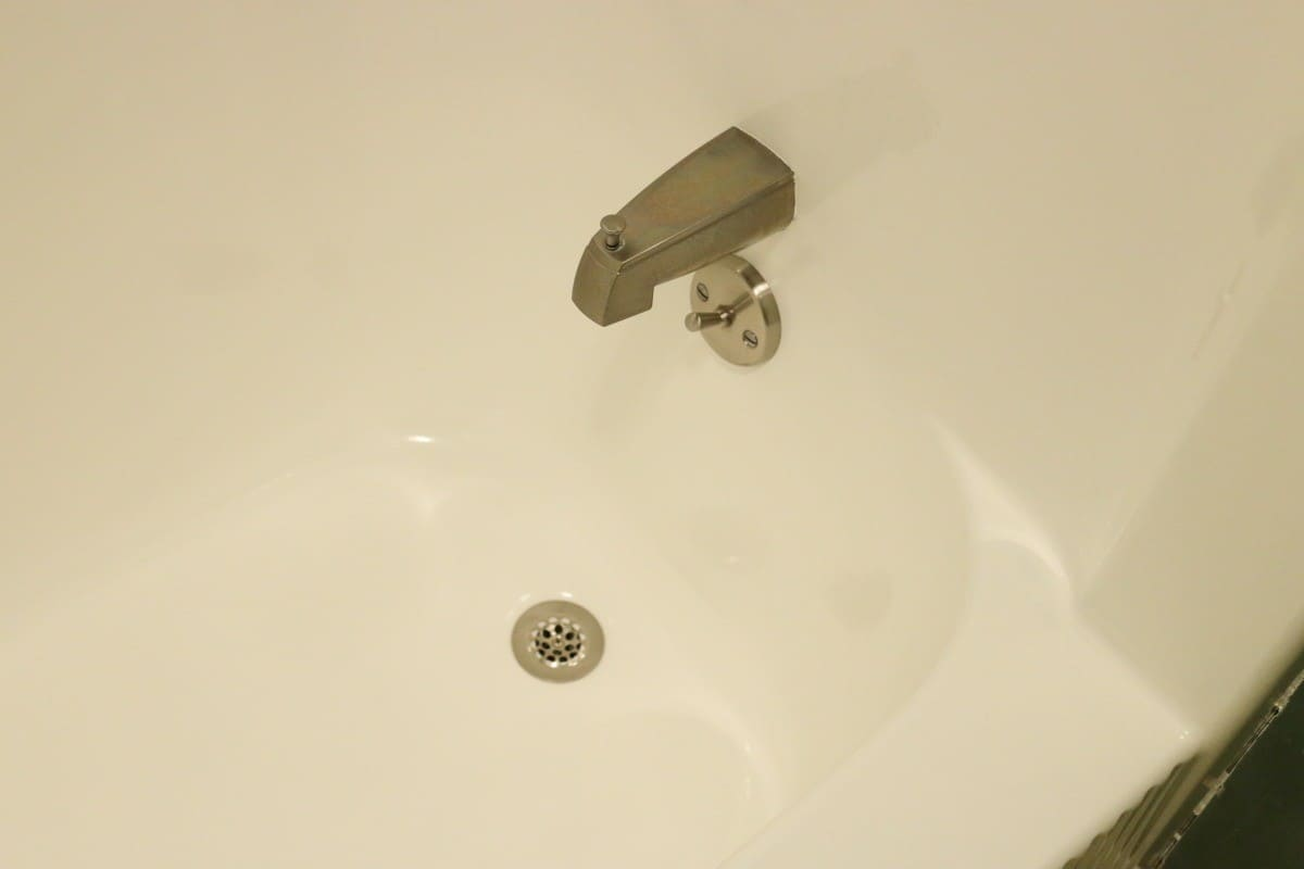 Diy Bathtub Refinishing Tips To Update Your Tub With