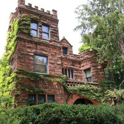 Identifying House Styles: Richardsonian Romanesque Homes