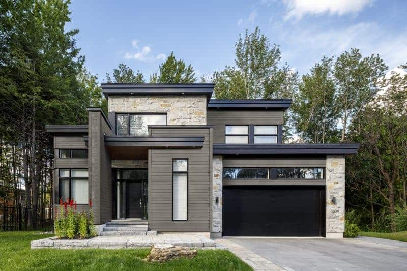 Photo of a modern style home with curb appeal.